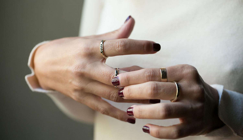 fabio-corsini-gioielli-argento-ottone-personalizzati-autunno-inverno-mani-anelli-bracciali